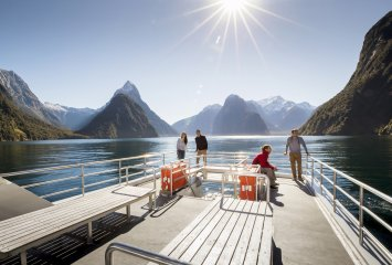 Milford Sound Nature and Wildlife Cruise New Zealand